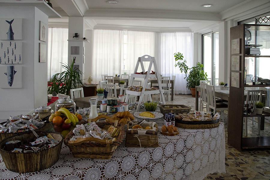 Hotel Everest Gabicce Mare - Colazione a buffet